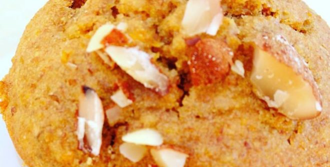 Camille o muffin con carote e mandorle senza zucchero?