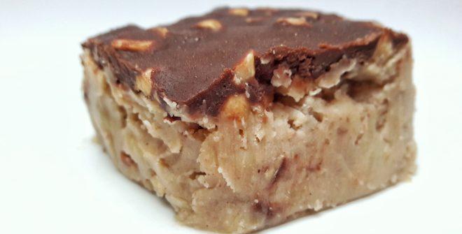 Dolce di castagne, pere caramellate, nocciole e cioccolato