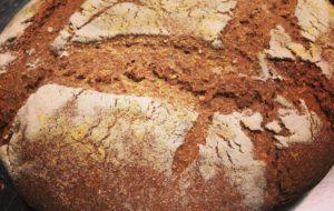 Profumo di pane con grani antichi. Ricette di autoproduzione per essere felici