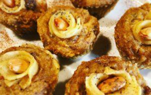 Muffin con carote, mandorle e fiori di mela