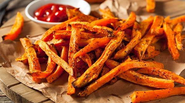 Patatine fritte e Ketchup? Se le preparassimo in modo sano?